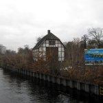 12 In Sichtweite der Bücherei - An der Schleuse am Tegler Hafenbecken (c) Foto von Susanne Haun