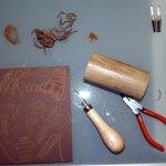 Ich gruppiere meine Lieblingswerkzeuge um die Platte (c) Foto von Susanne Haun