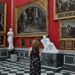 Fasziniert stehe ich im Rafaelsaal und bin in Tarnfarben gekleidet (c) Foto von M.Fanke