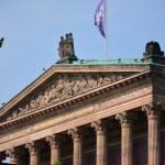 Berlin die Alte Nationalgalerie von der Spree aus (c) Foto von M.Fanke