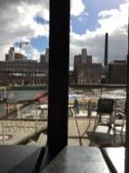 Blick aus dem Kaffee am Tempelhofer Hafen (c) Fot von Susanne Haun