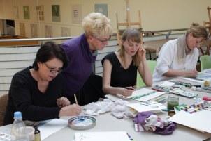 Workshop reale und surreale Welten Boesner Berlin - Georgia, Monika und Ute tauschen sich aus(c) Foto von Susanne Haun