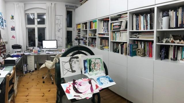 Auswahl Selbstportraits zum Rahmen für den Salon, Foto von Susanne Haun, (c) VG Bild-Kunst, Bonn 2019