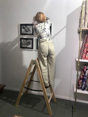 Hängen der Zeichnungen von Susanne Haun im atelier nuno (c) VG Bild-Kunst, Bonn 2019
