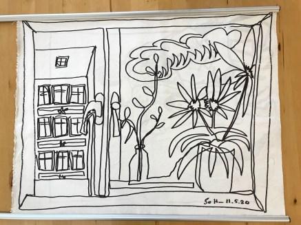 Hängevorrichtung , Doppelter Blick aus dem Fenster, 57 x 73,5 cm, Zeichnung auf Leinwand von Susanne Haun (c) VG Bild-Kunst, Bonn 2020.