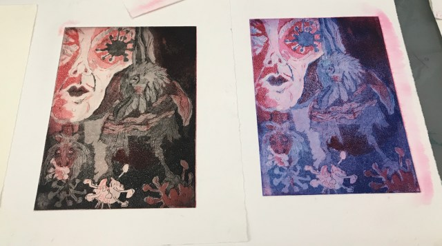 Beide Versionen Die Traumdeuterin und Seherin, Aquatinta von 2 Platten, 20 x 15 cm, Radierung von Susanne Haun, (c) VG Bild-Kunst, Bonn 2020