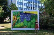 Plakat Mein Wedding 2020, La vie en vert vor dem Centre Francais de Berlin von Susanen Haun(c) M.Fanke