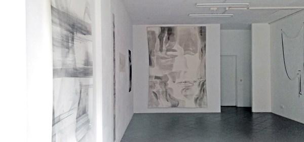 "Blick in die Ausstellung ""The Body of Drawing"" in der Galerie. Fotos (2): Dominique Hensel"