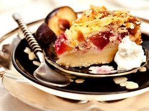 Plum & Almond Crumble Cake_sharper