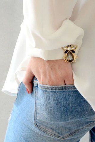 The Brooch is Back! How to Wear It
