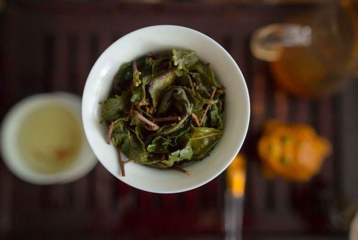 lavaggio foglie di tè