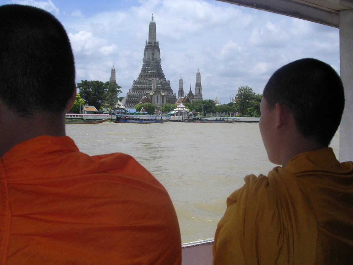Bangkok monks and Temple of the Dawn