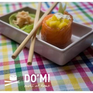 Łososiowe gunkan sushi