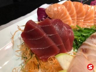 maguro (tuna back), sake (salmon) sashimi