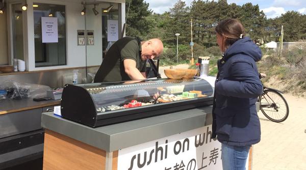 SushiTime vanuit de foodtruck @Borrelpop Bloemendaal