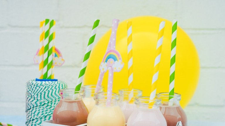 Which Reusable Straws Are Better: Silicone, Glass, or Metal?