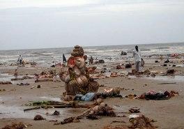 Eco-Ganapati - pollution on beach