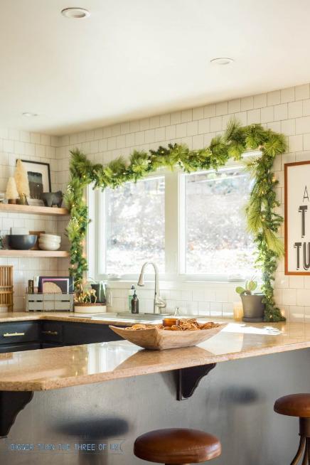jendela-dapur-dengan-hiasan-cantik