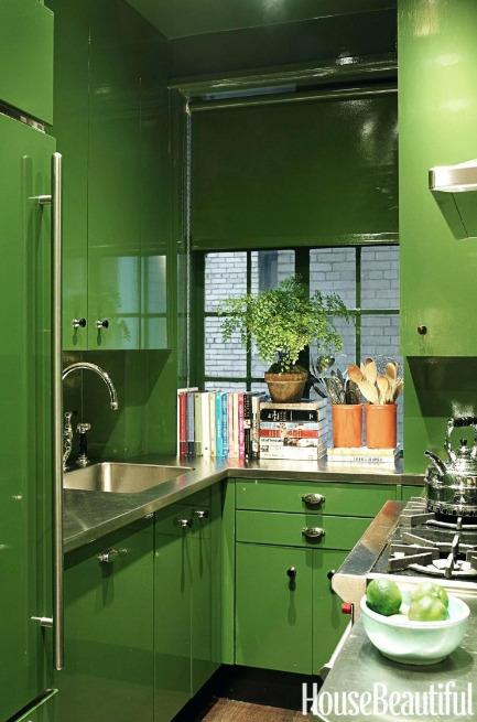 jendela-dapur-dengan-nuasna-hijau