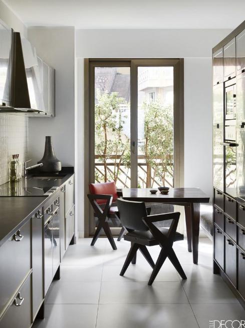 jendela-dapur-dengan-ukuiran-memanjang