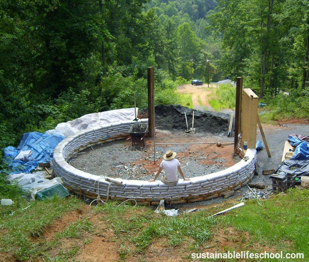 Earthbag Roundhouse 2009