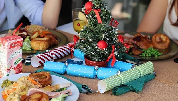 Tips for throwing an eco-friendly holiday party