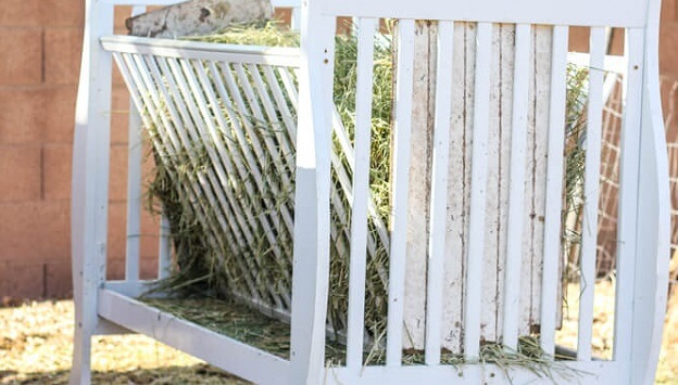 DIY crib hay feeder