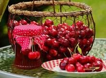 Old-fashioned low-sugar cherry jam recipe