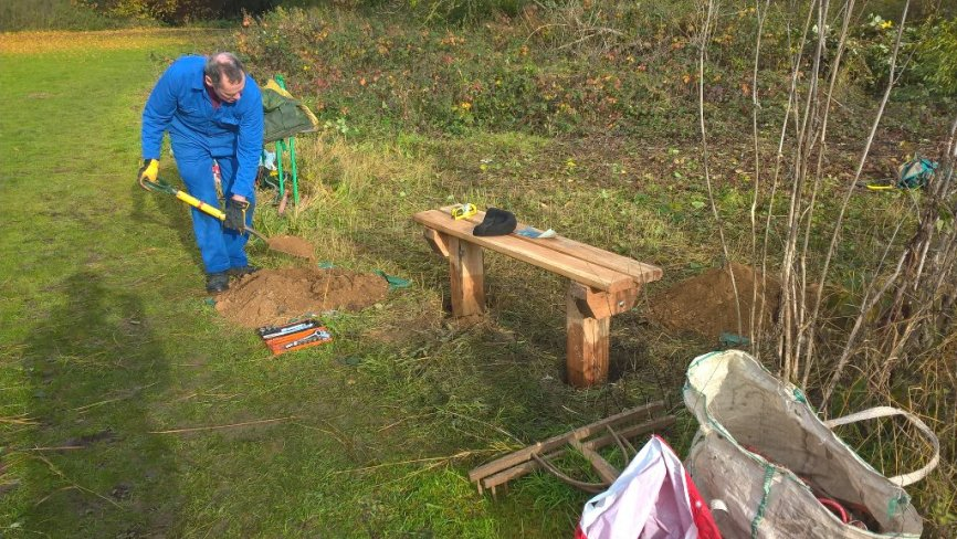 Building a bench on the River Ver