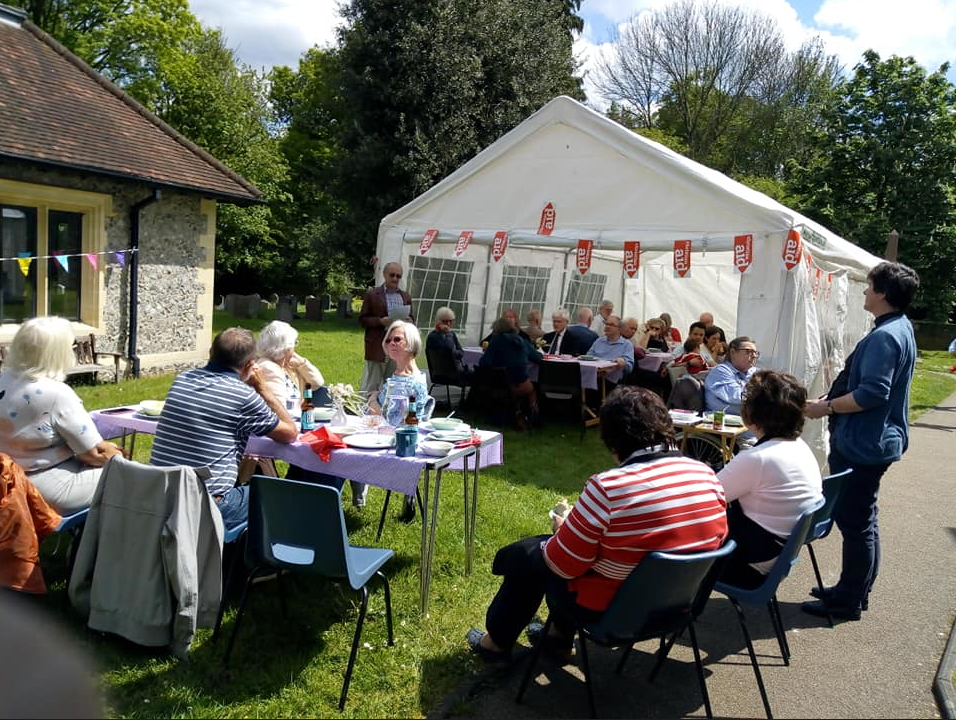 group lunch outside