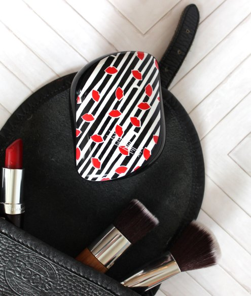 holiday handbag essentials with tangle teezer review