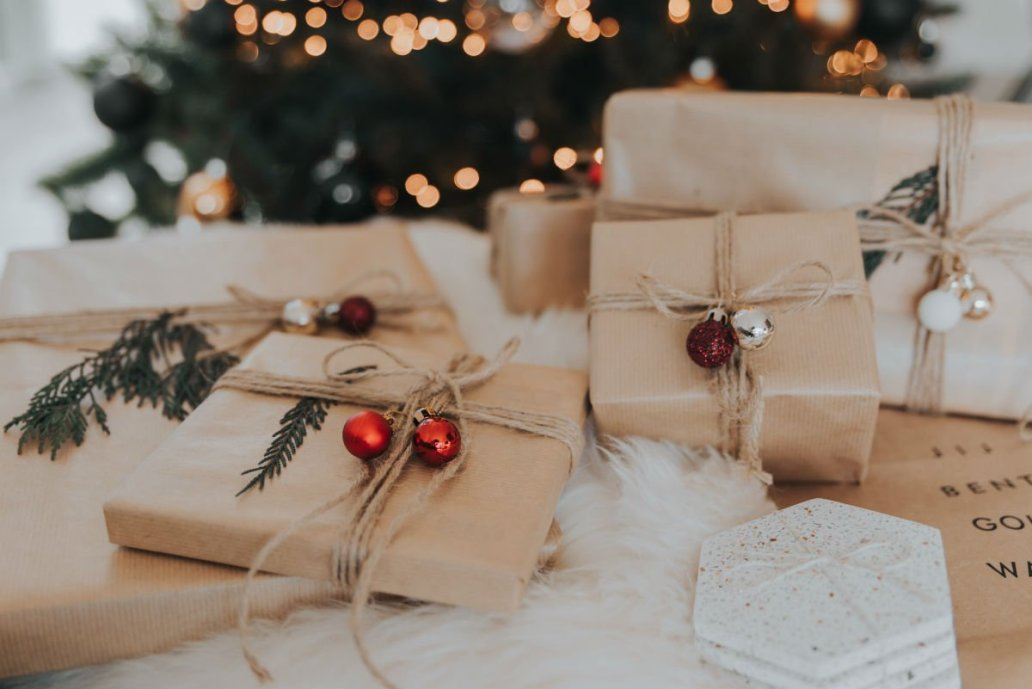 best low waste secret santa gifts image of gifts wrapped in brown paper