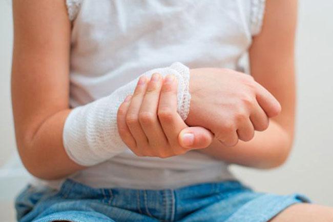 Как сделать компресс на руку из водки. Как сделать водочный компресс при различных заболеваниях