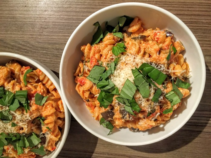Creamy Chilli, Tomato and Aubergine Pasta | Vegetarian Pasta Recipe | Susty Meals | Sarah Irving