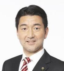 柳本顕の経歴は?大阪都構想反対派の出身高校・大学や家族など!