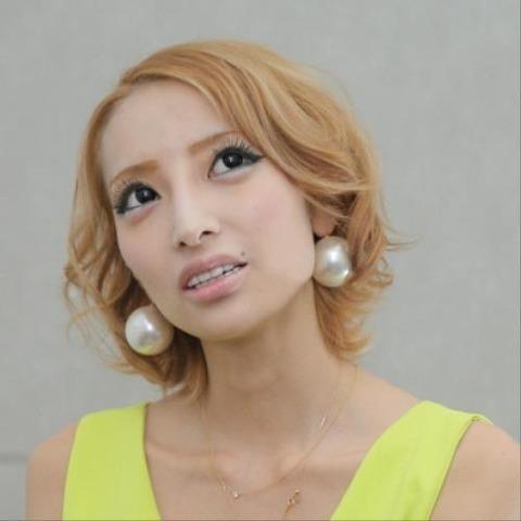 加藤紗里顔2