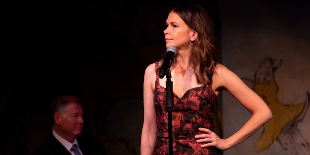 Sutton Foster - Official Website
