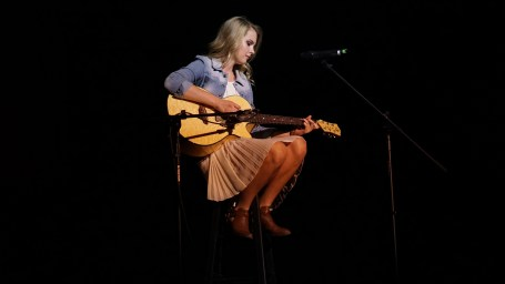 Emily Johnson singing a Taylor Swift cover.