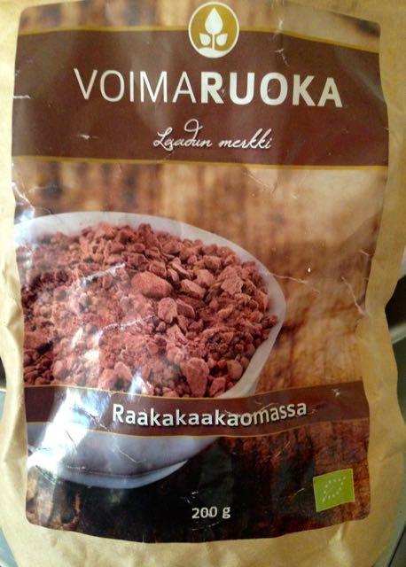 Raakakaakaomassaa teelusikallinen, se antaa suklaisen, hienostuneen vivahteen smuuttiin.
