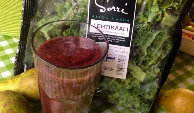 Salaatti nro 89 – mahti maanantai-smoothie lehtikaalista