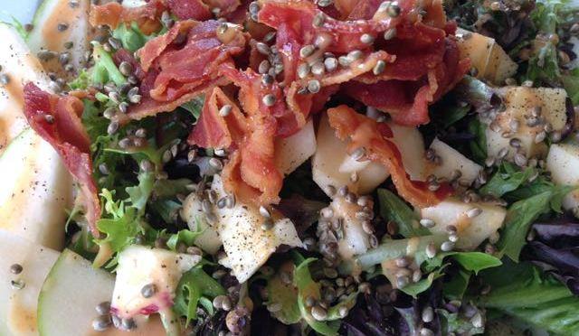 Salaatti nro 86 – rapea hamppu – pekonisalaatti