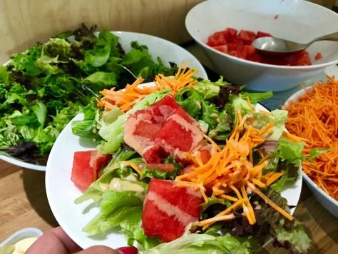 Salaattipöytä Metsätähti
