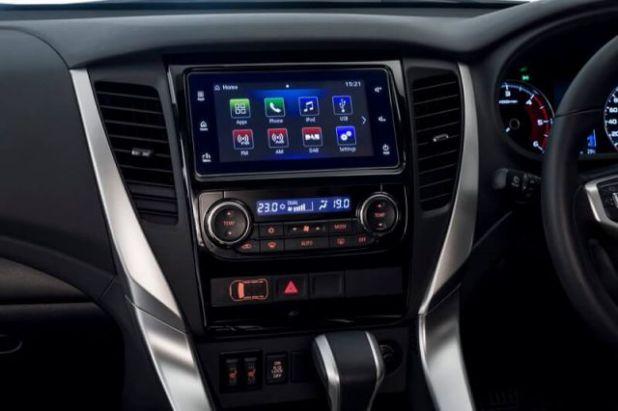 2018 Mitsubishi Montero Sport interior