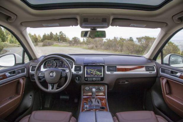 2019 VW Touareg interior