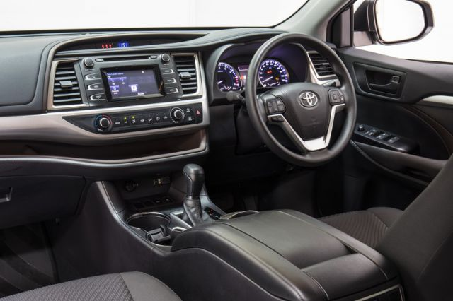 2018 Toyota Kluger interior - 2019 and 2020 New SUV Models
