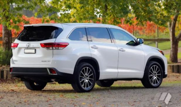 2018 Toyota Kluger rear view