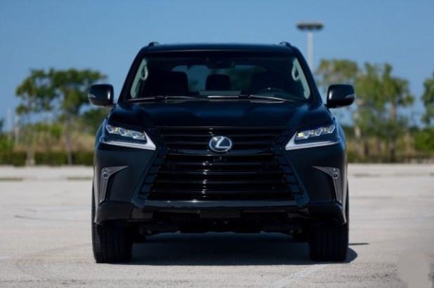 2019 Lexus LX 570 front
