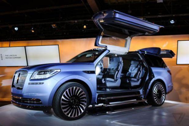 2019 Lincoln Navigator front