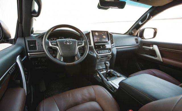 2019 Toyota Land Cruiser Prado interior - 2019 and 2020 ...