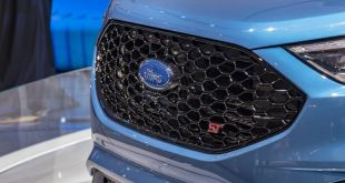 2019 Ford Edge ST view